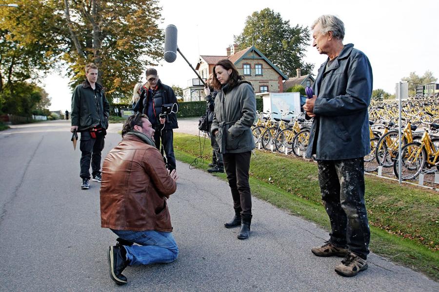 Bakom kulisserna på filminspelningen av Bitch. Csaba Bene Perlenberg i samtal med Amanda Ooms på Ven.