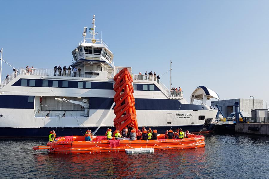 I veckan har det övats evakuering från M/S Uraniborg. Landskrona Direkt var med ombord. Foto: Lars Larsson, Sjöräddningssällskapet.