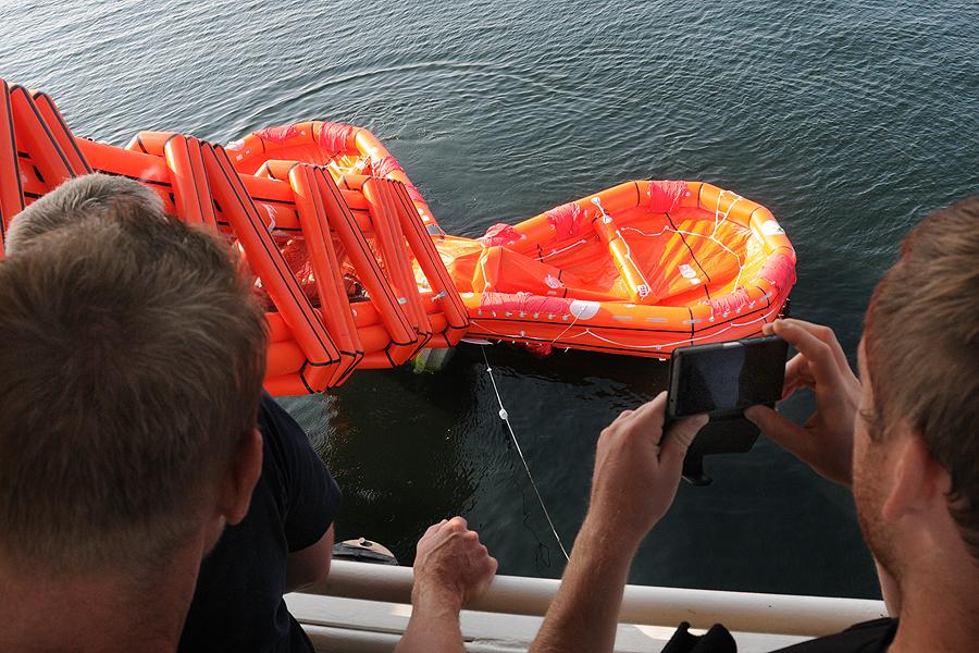 Allt övervakades av Räddningstjänsten från Landskrona.