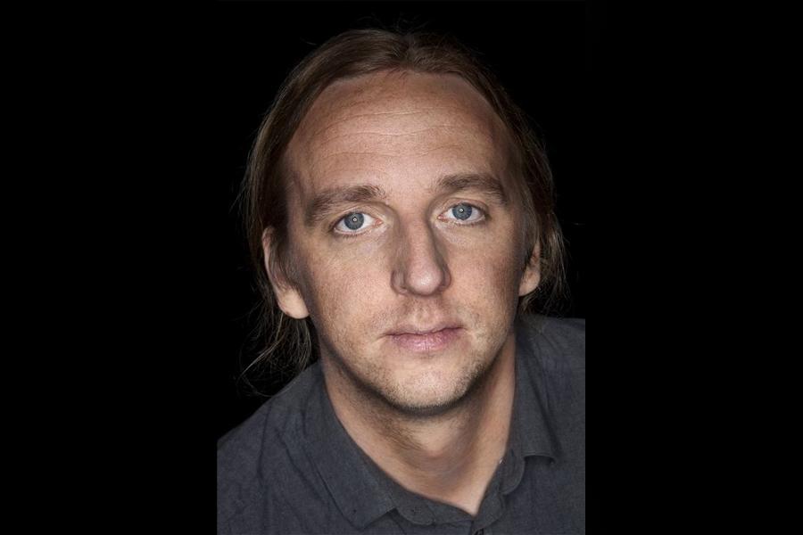 Martin Schibbye kommer till Landskrona stadsbibliotek och samtalar med Peter Fällmar Andersson.