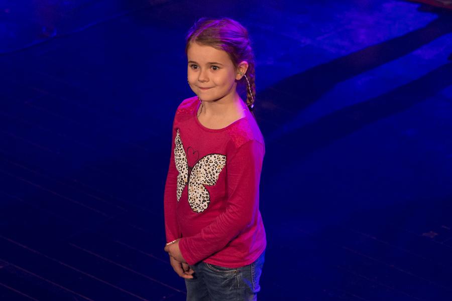 Ella, 6 år, lämnade ingen oberörd på teatern under Barnbidraget.