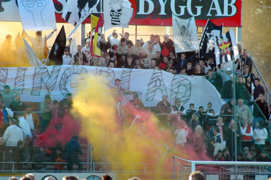 Socialdemokrater kräver säkrare fotbollsarrangemang