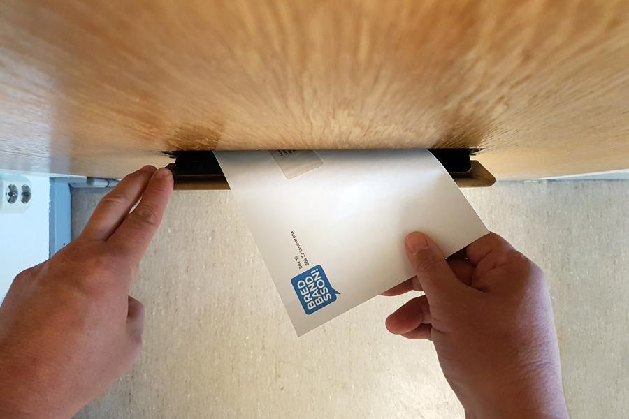 Från och med imorgon tisdag kommer 92 adressater att få hämta sin post på Postnord på Lodjursgatan.