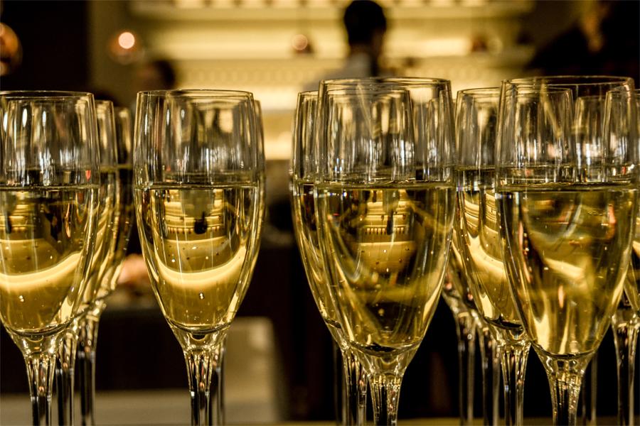 OnsdagsAkademin firade med champagne