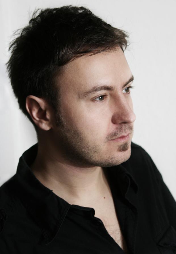 Countertenor Daniel Carlsson har kunnat höras som solist med bland annat Eric Ericsons Kammarkör och Odense Symfoniorkester och på scener som Drottningholms Slottsteater, Folkoperan och Göteborgsoperan.