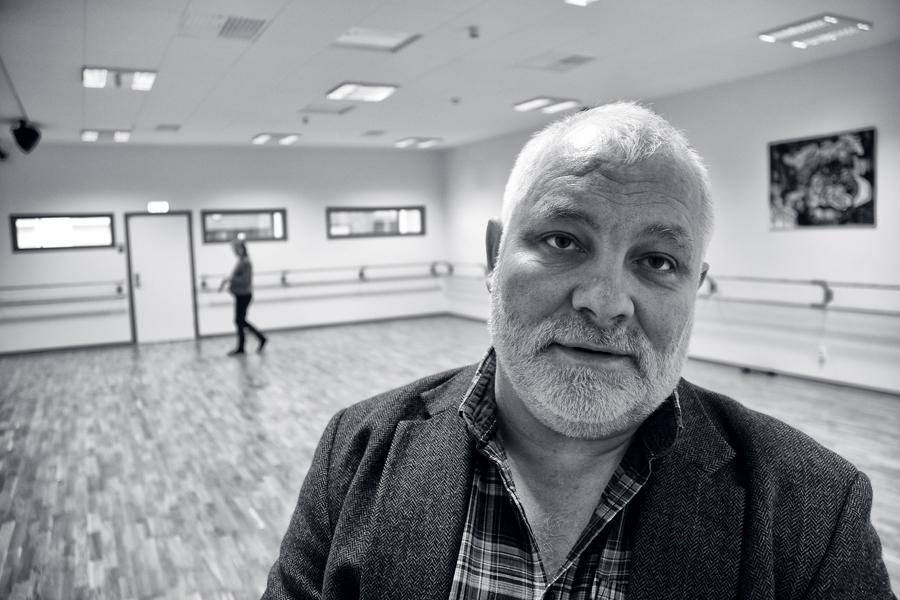Skulle kulturskolan någon gång sätta upp en pjäs där det finns behov av en hårdkokt dansk kriminalpolis i en biroll, så finns han i huset. Det är bara att höra med rektor Björn Larsson.