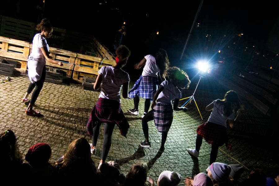 Dansuppvisning med Candy Mix Crew på Pilängstorget. Foto: Julia Andersson.
