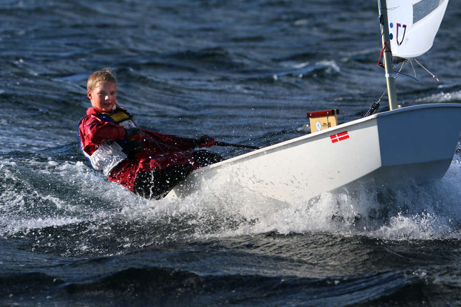 Louise Zetterström från Borstahusen åker strax innan jul till Indien för att tävla i i öppna asiatiska mästerskapet i Optimistjolle.