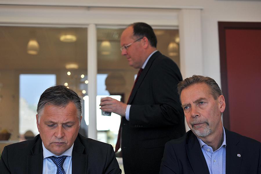 Stefan Johansson och Christian Alexandersson får på tisdagen kommunstyrelsens godkännande vid ett extrainsatt KS-möte.