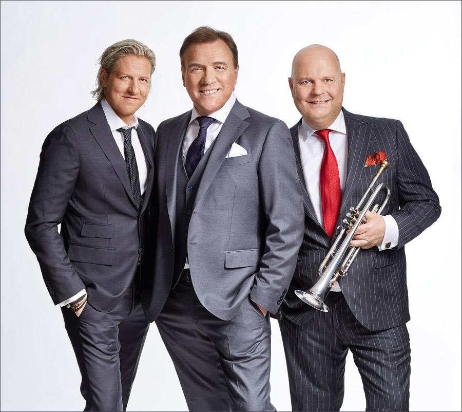 Den 21 december gästar Christer Sjögren Landskrona tillsammans med Magnus Johansson (till höger) och Marcos Ubeda (till vänster. De bjuder då på julstämning tillsammans med kören Aquarello. Foto: Peter Knutson