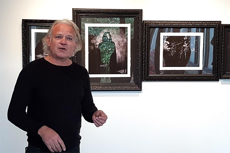 Lokala fotoproffs och skickliga amatörer fyller konsthallen
