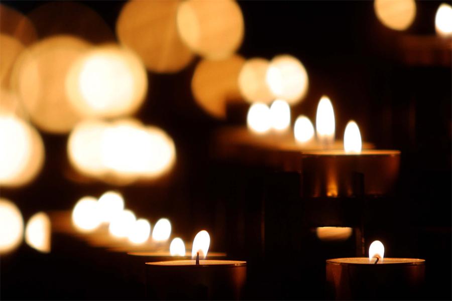 Ljus är årets tema vid lördagens Adventskonserten på Rådhustorget.