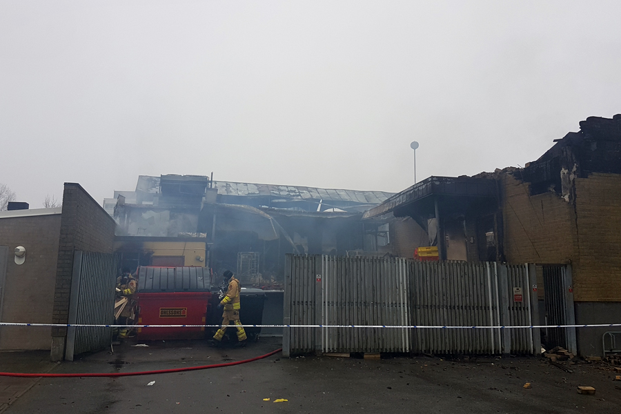 Branden på Karlslundstorget flammade upp