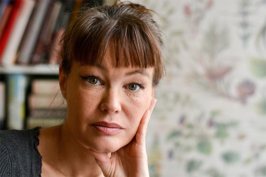 Nina Björk till Landskrona på Internationella kvinnodagen