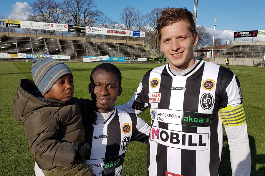 Philip Andersson och Thierry Zahui blev årets första målgörare på IP vilket de firade tillsammans med Zahuis son Marvin.