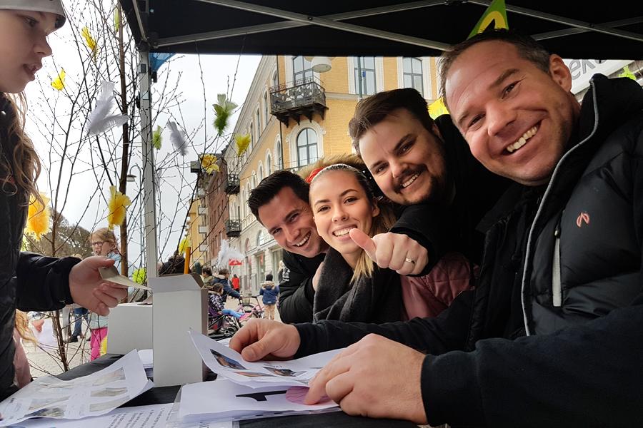 BILDEXTRA – Tummen upp för Vår i Landskrona