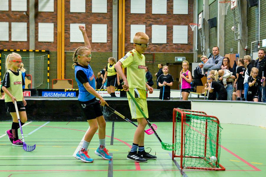 Felicia jublar efter att ha satt ett mål. Foto: Ulf Bjarke, Foto261.se