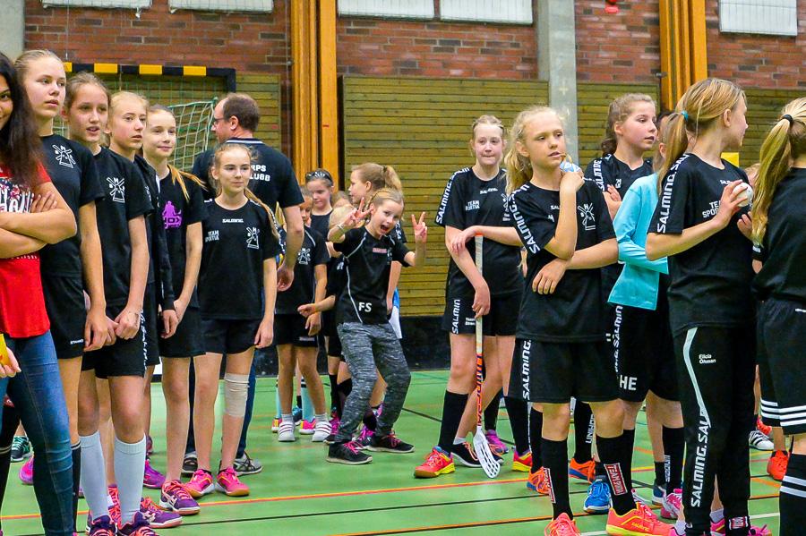 Uppställning inför prisutdelningen och visst är det kul med fotografen. Foto: Ulf Bjarke, Foto261.se