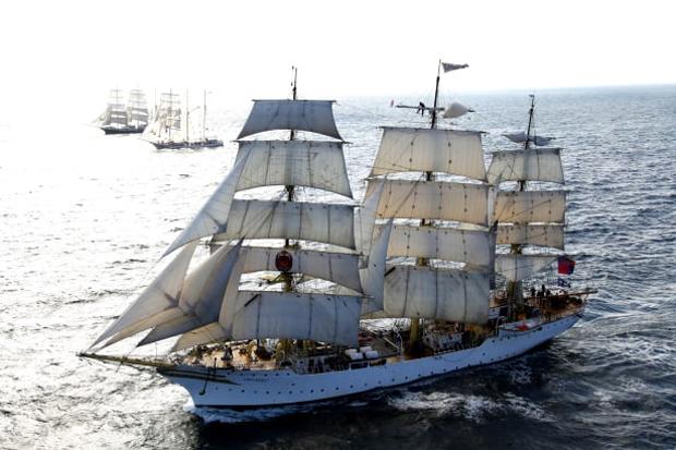 Storslagna segelfartyg i Öresund