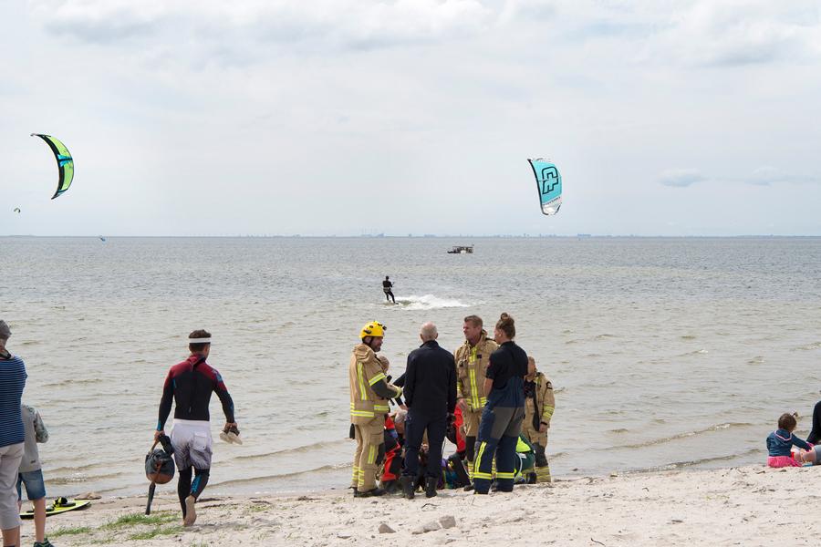 Kitesurfare hamnade i nöd