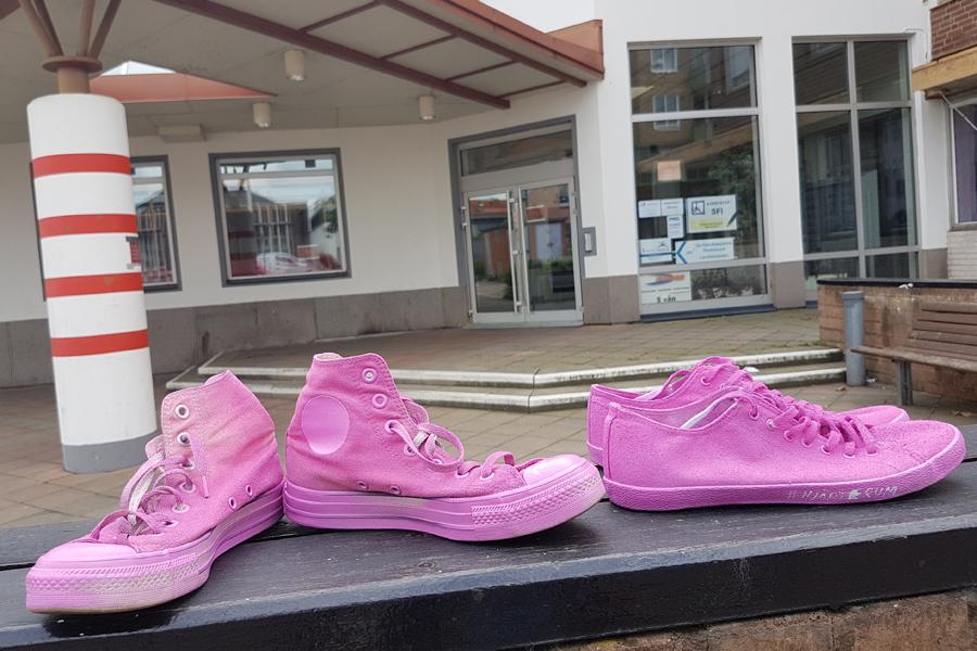 Rosa skor var en antirasistisk kampanj