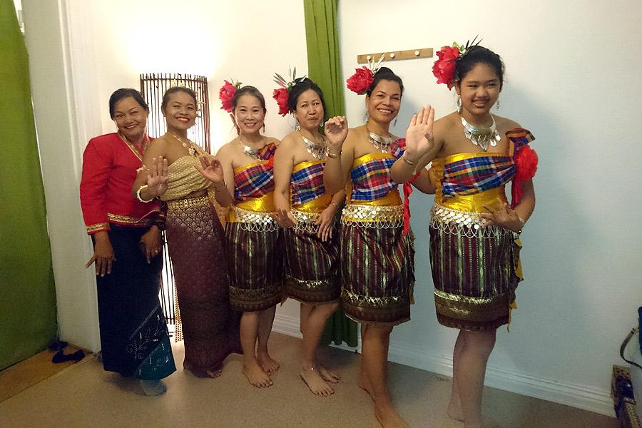 Thailändsk dans i sambatåget