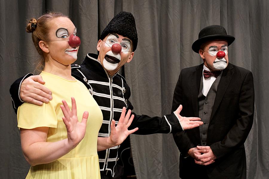 Schtunkarna bjuder in till ny skrattfest