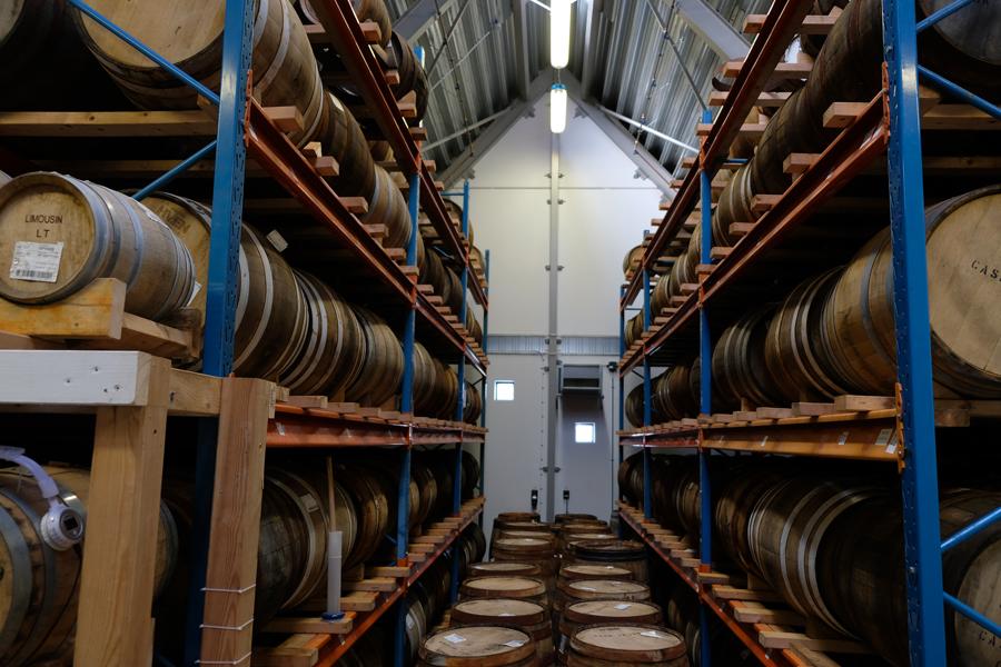 100 fat Venwhisky till försäljning