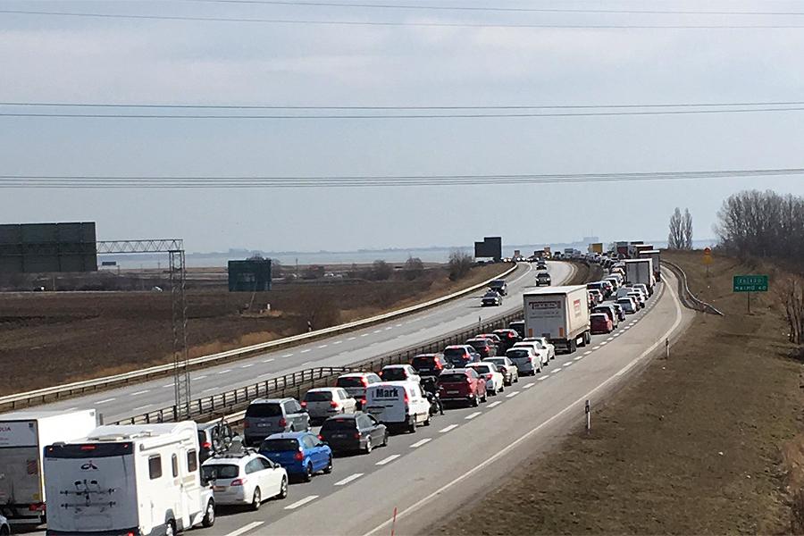 Lastbilschaufför anhållen efter olycka