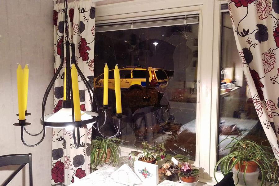Ny sprängning av fönsterruta