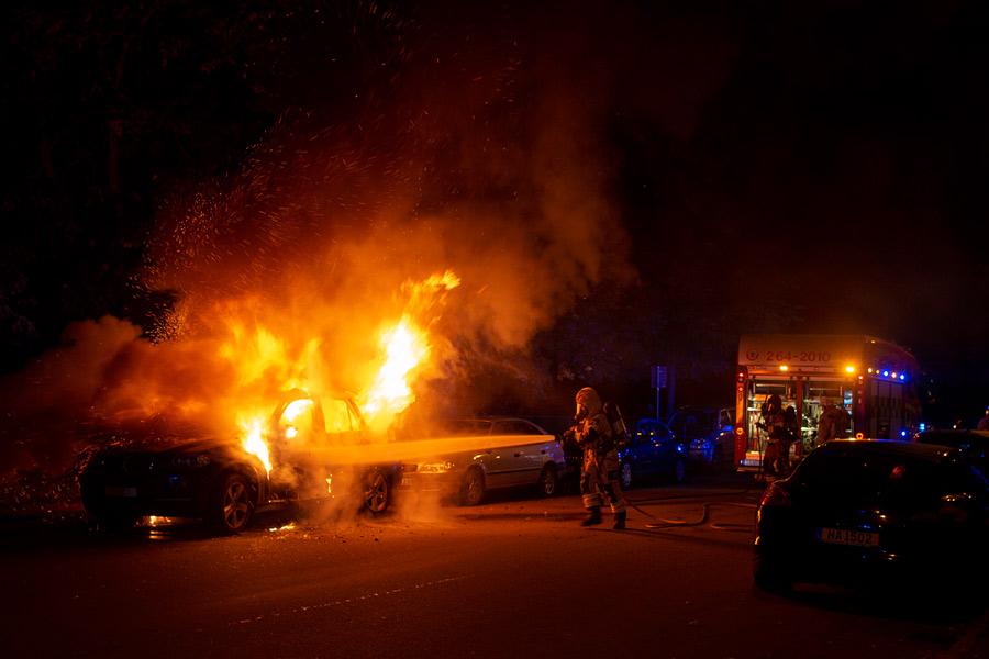 Bilbrand på Väster