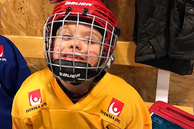 Nu kör hockeyskolan igång