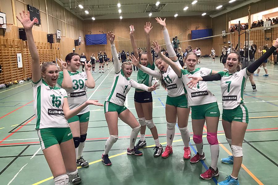 Fullsmäckad volleybollsöndag för Kronans tjejer
