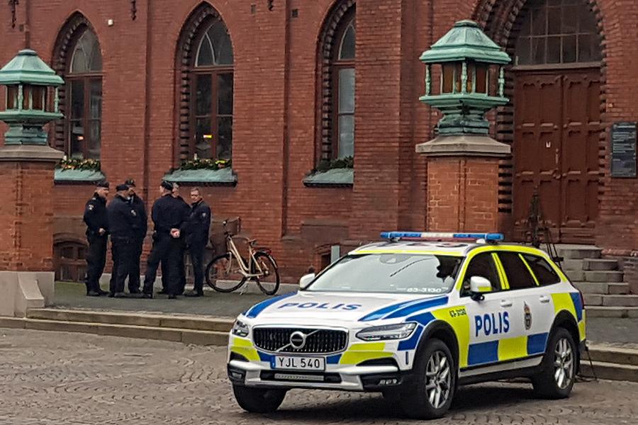 Tyst minut för omkommen polis