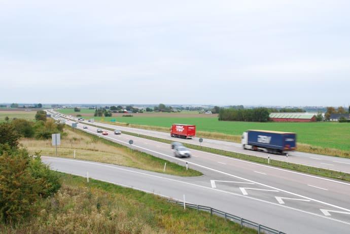 Nu införs omkörningsförbud för tung trafik på E6