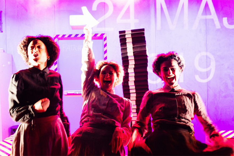 Teater med återblick på demokratisk milstolpe