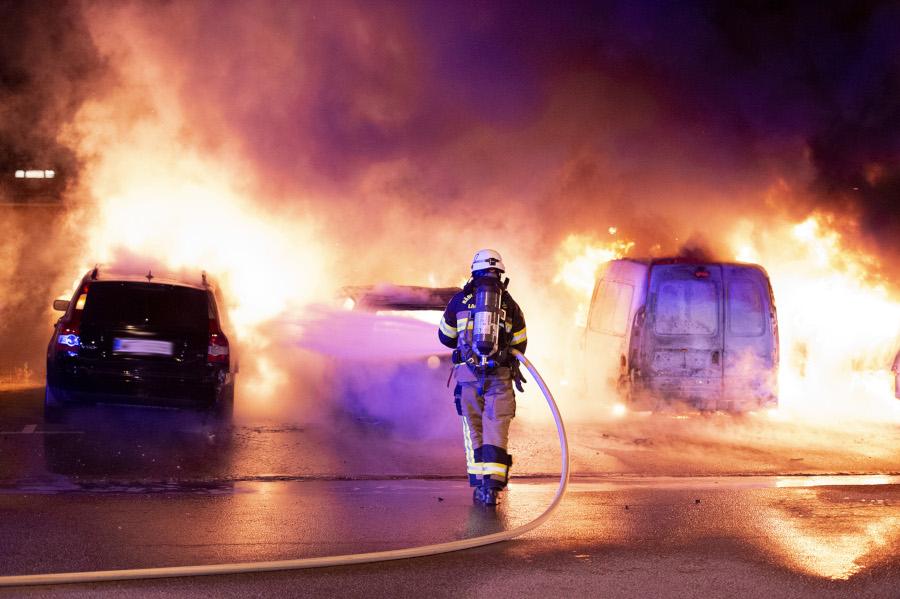 Fem bilbränder på två dygn