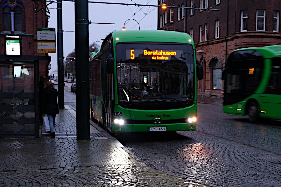 Buss 5 till Holmgatan – var god vänta i två år