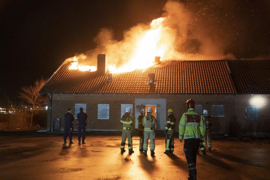 Brand i ödebyggnad