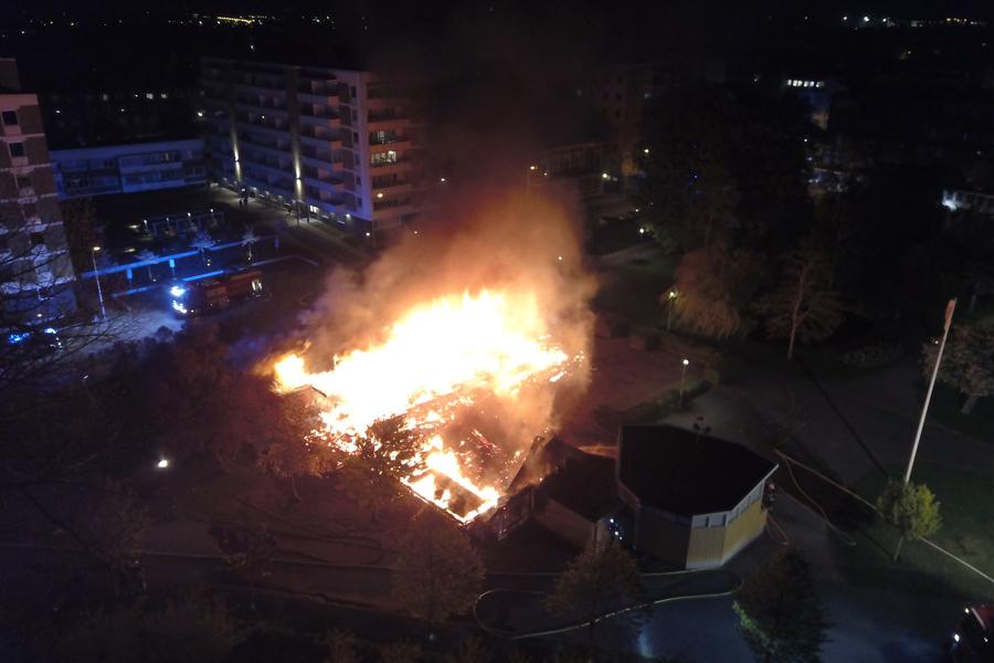 Slottscafeet totalförstört i brand
