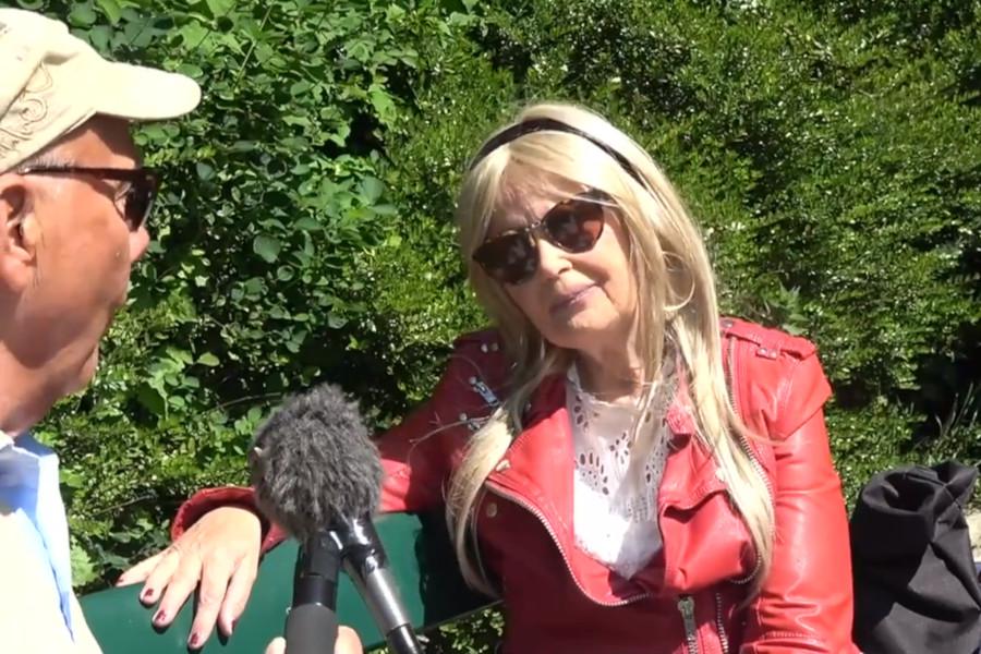 Anki Nilsson minns allsången på Slottscaféet