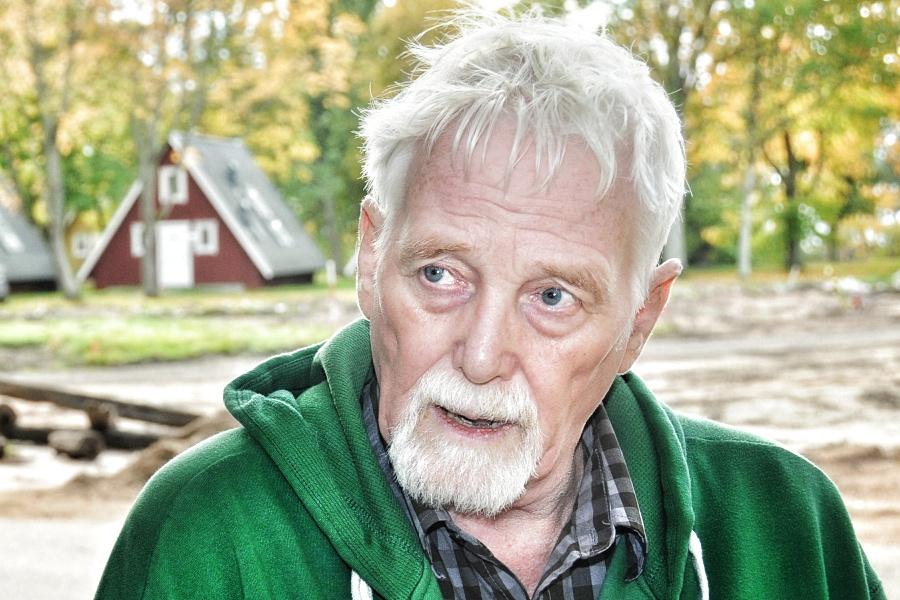 Bjarne Andersson flyttar efter branden