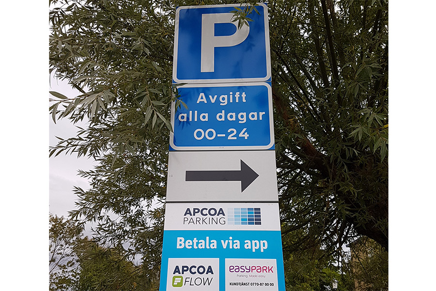 Nya höga parkeringsavgifter upprör