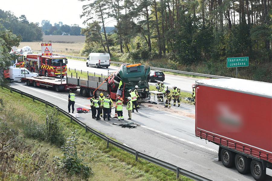 Kvinna omkom i trafikolycka