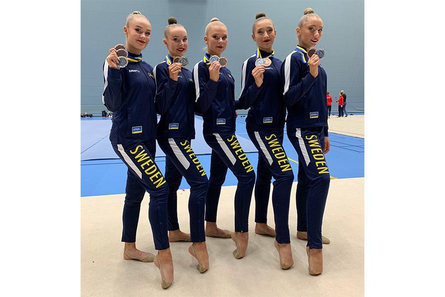 Rytmisk gymnastiktrupp får guldmedalj