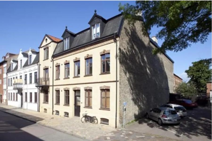 Svenska Hus säljer fastigheter