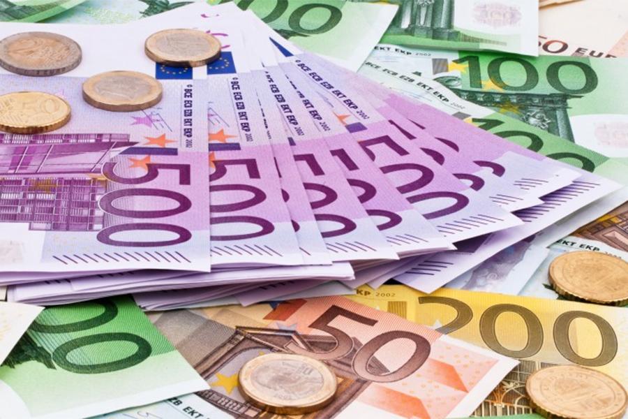 Kvinna bedragen på 7000 euro