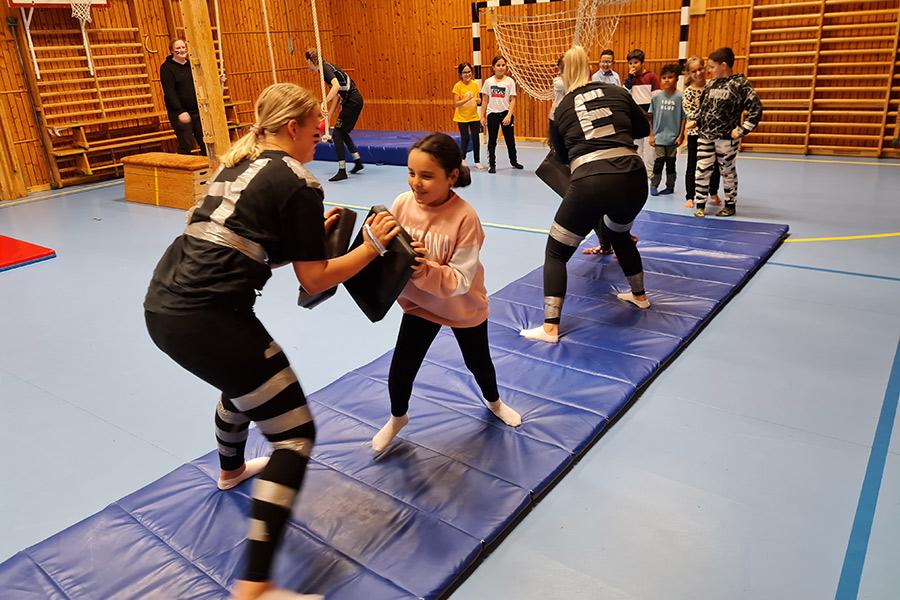 Elever mötte gladiatorer på Pilängskolan